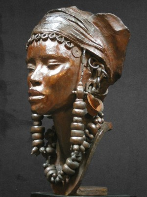 Darbaud_sculptures_femme_peul_02